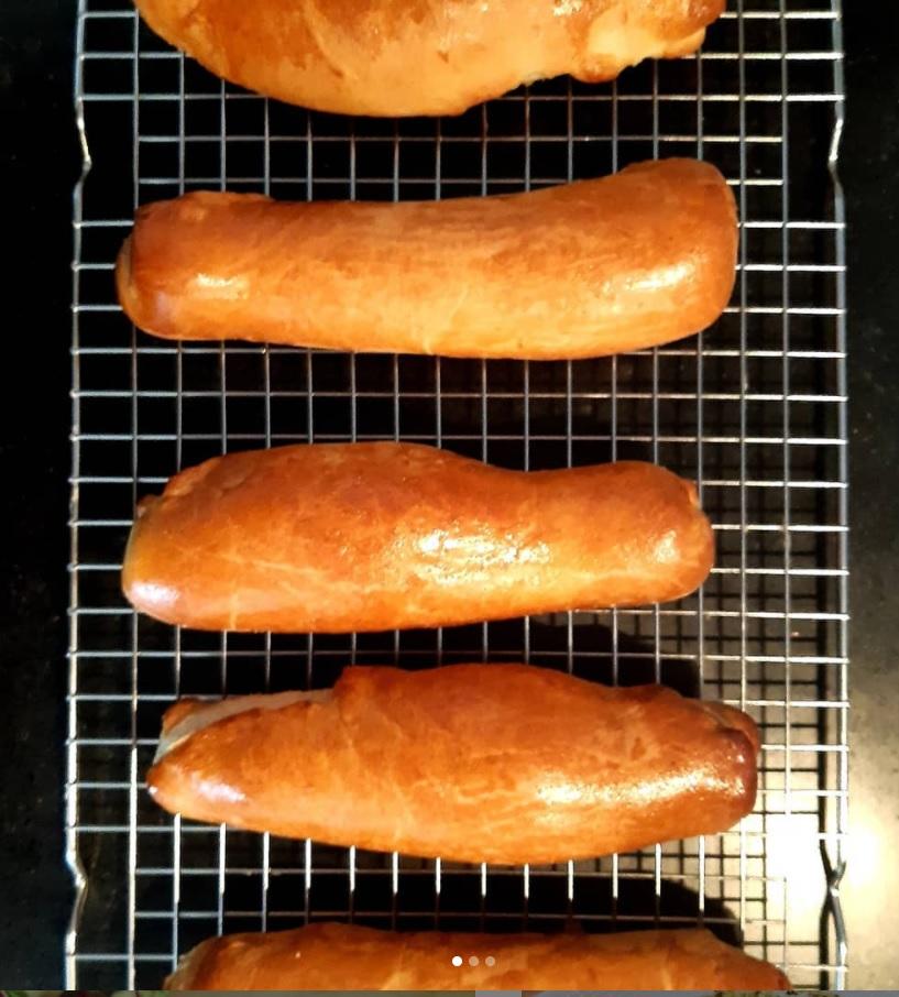 Frikandellenbroodjes